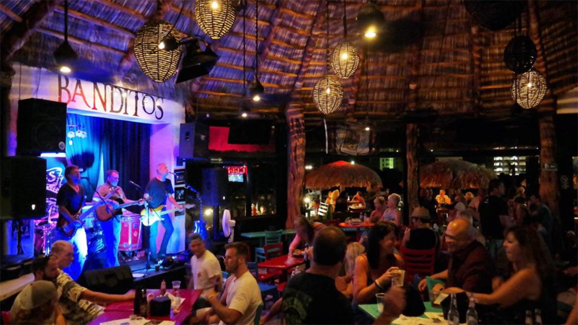 Bars Puerto Penasco - Banditos